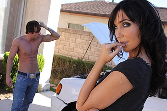Diana Price Decides To Lure In Another Man For Some Action