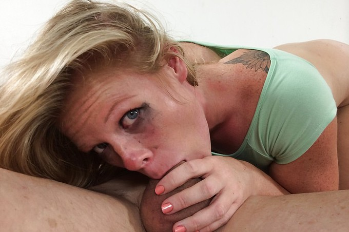 Pretty Blonde Milf Faye Robins Really Needs Some Dick