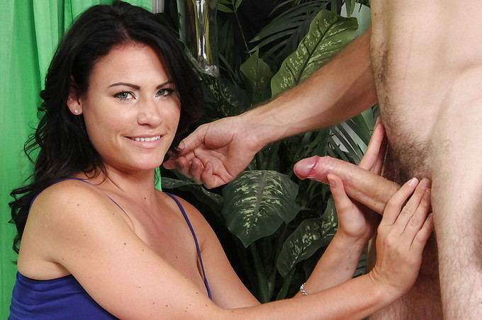 Steven French Helps Ashli Ames With More Than Her Car
