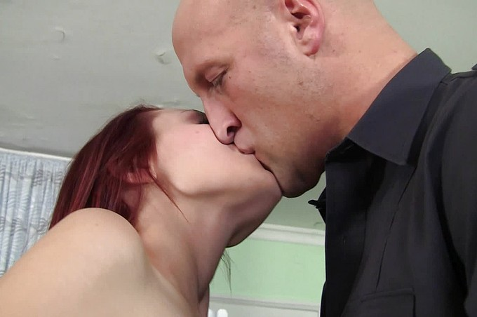 Jessica Robbin Enjoys The Big Dick Delivery Boy Christian