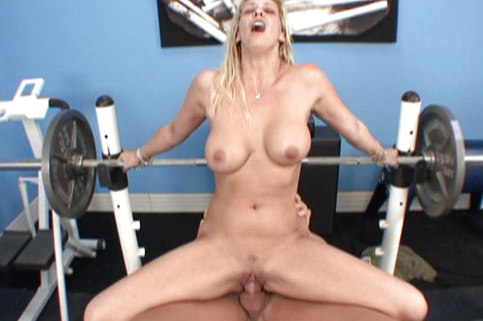 Phyllisha Anne And Lee Stone Get A Good Workout.