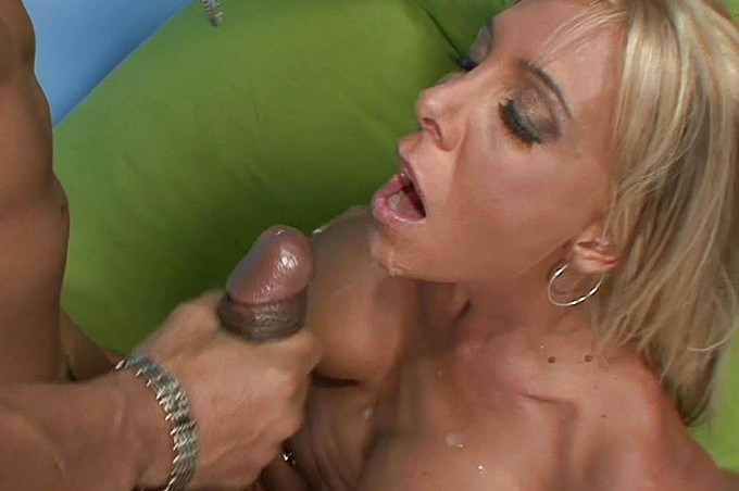 Misty Vonage Loves Justin Long's Black Cock