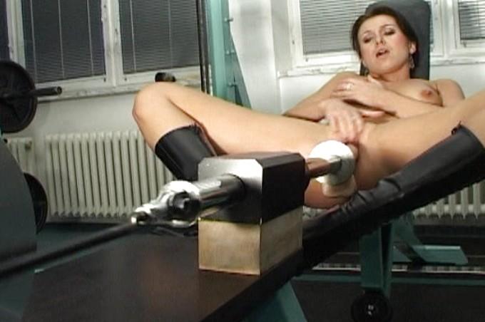 Jackie Has Steamy Fun With Mechanical Dildo