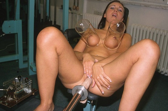 Christina Gets Her Wet Pink Pussy Fucked By A Machine