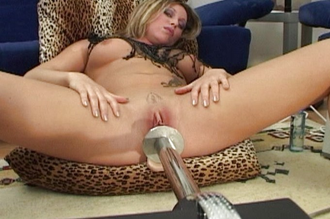 Romana Explores Different Toys And Fucking Machines