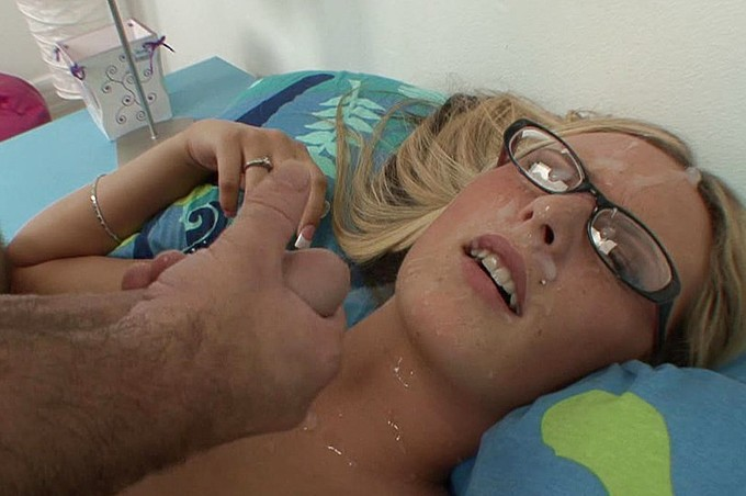 Page Adams Gets Fucked In Her Dorm Room By Mike Hash