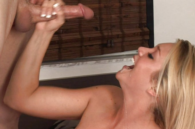 Grunting Blonde Bitch Jessie Andrews Is Starving For Cock
