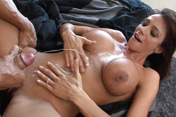 Hot Milfs - Härter, tiefer
