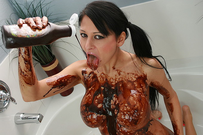 Alison Star Gets Slimy And Dirty For You