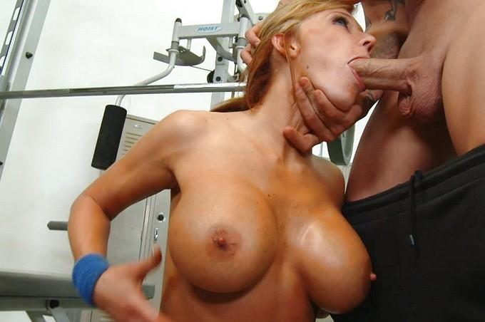 Nikki Sexx załatwia sobie trening i nie tylko