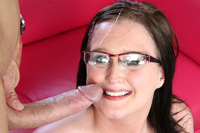 Blaire Banks Wants Her Pussy Stuffed With Chris Strokes Cock