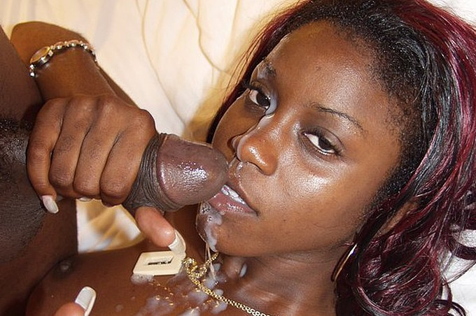 Mocha Is Craving This Dark Chocolate Meat Inside Her.