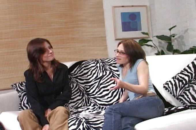 Leigh Charles And Samantha Wynter Make Lesbian Love