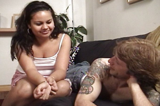 Curvy Jade Pleases Tommy's Hard Cock On The Couch
