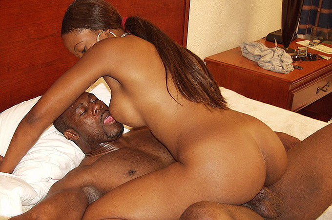 Hot Black Girl Gets Paid To Fuck In A Hotel Room