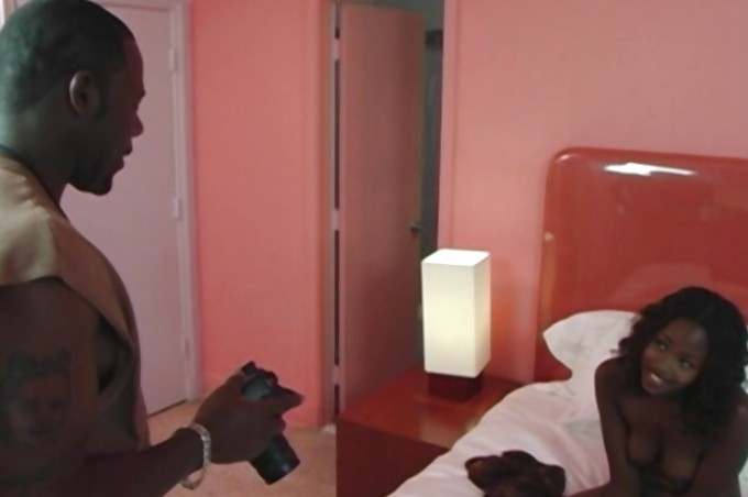 Cury Ebony Chick China Gets Fucked In A Hotel Room
