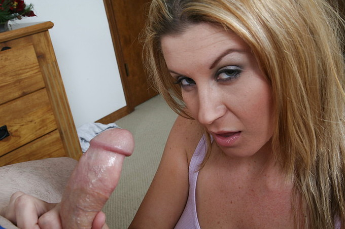 Sara Stone Getting Titty Fucked By Handjob Harry