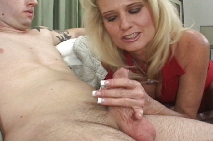 Milf Bridgett Lee Shows Her Stepson A Good Time