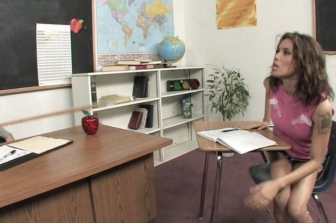 Steven French si scopa la sua studentessa vogliosa Renae Cruz