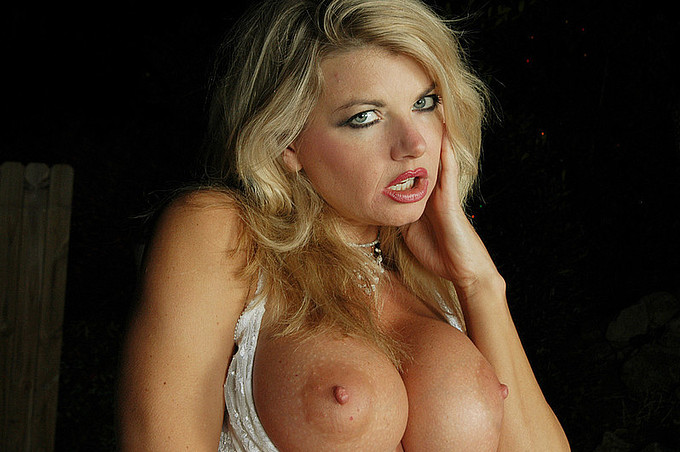 Huge Tittied Vicky Vette Loves To Fuck Her Pussy Outside