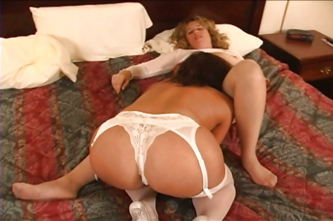Natasha Kole Plays With Her Friends Jeannie Paulie And Billy