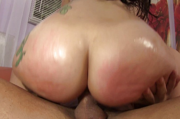 Talon And Mandy Love That Ass And Sucking