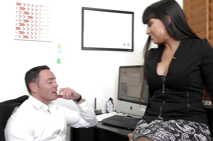 MILF Boss Mercedes Uses Her Sexy Ass to Seduce Employee