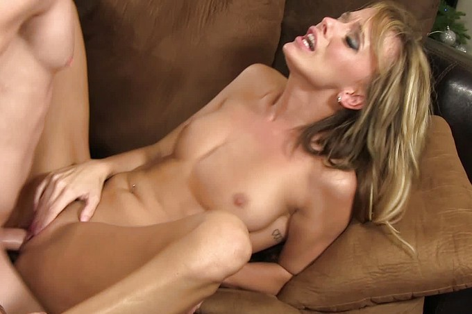 Romeo Price Fucks Beautiful Blonde Pristine Edge On The Couch
