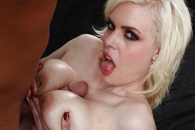 Kristy Snow Gives A Great Blow And Fuck To Christian