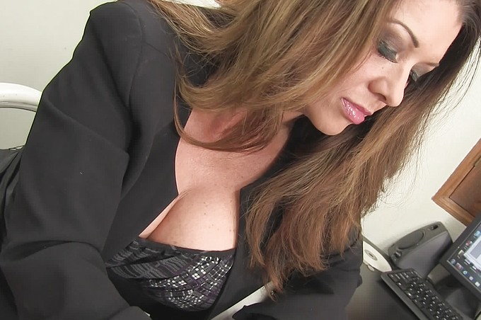 Raquel Devine Enjoys Fucking On The Desk In Her Office