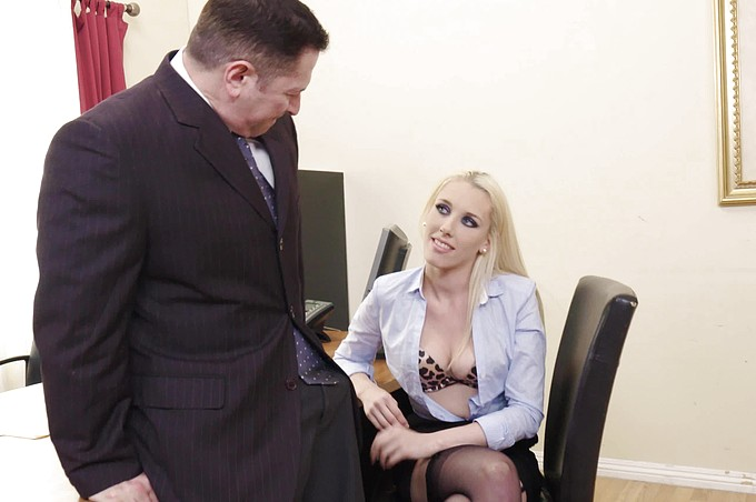 Roxy Nicole Shows Potential In Job Interview