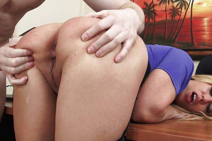 Horny MILF Boss Stevie Lix Loves Abusing Her Power