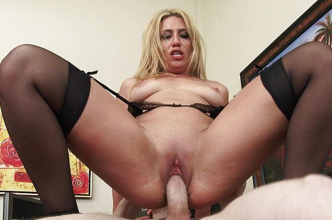 Horny MILF Boss Stevie Lix Loves Abusing Her Power